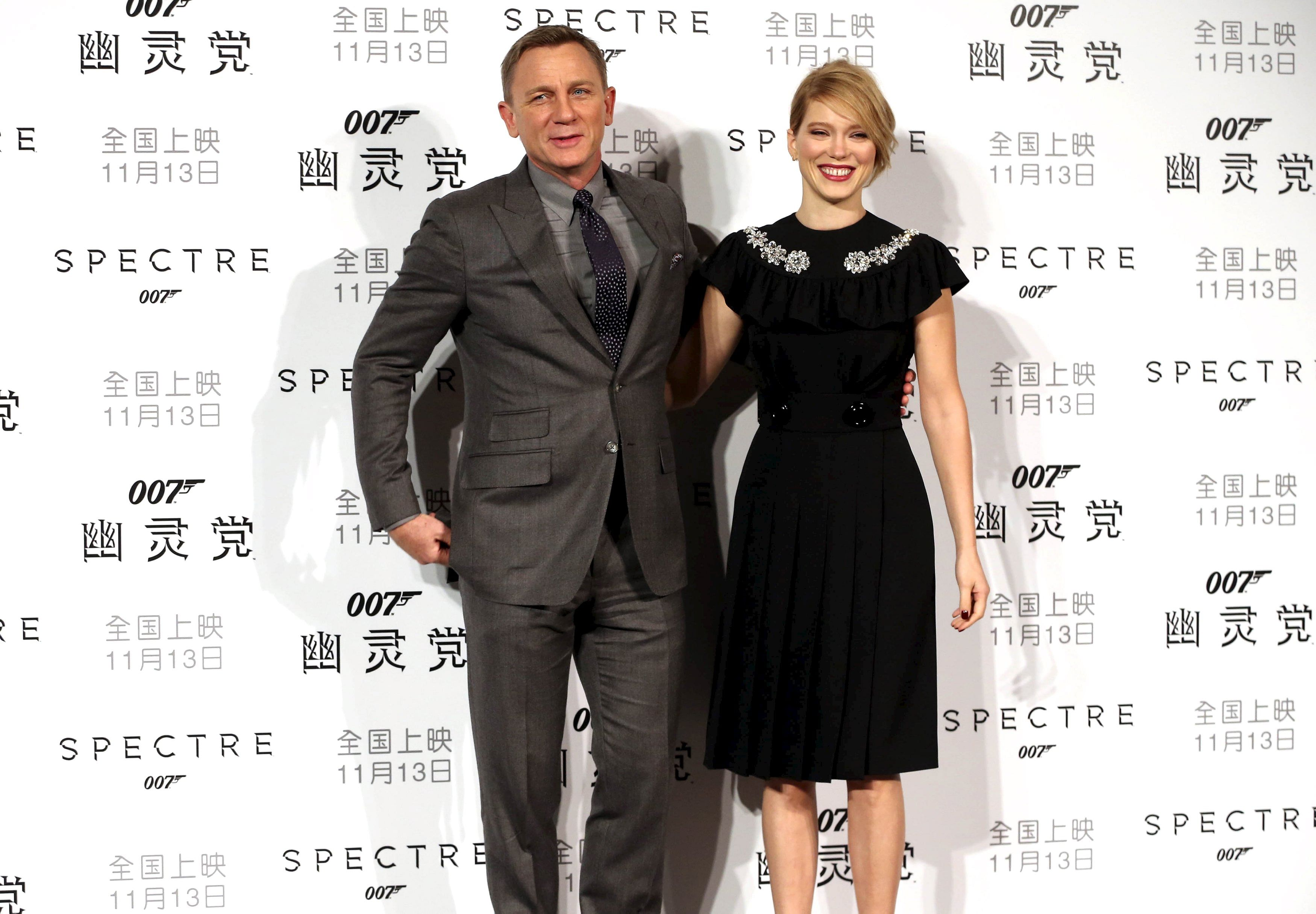 In Pictures Spectre Premieres Around The World