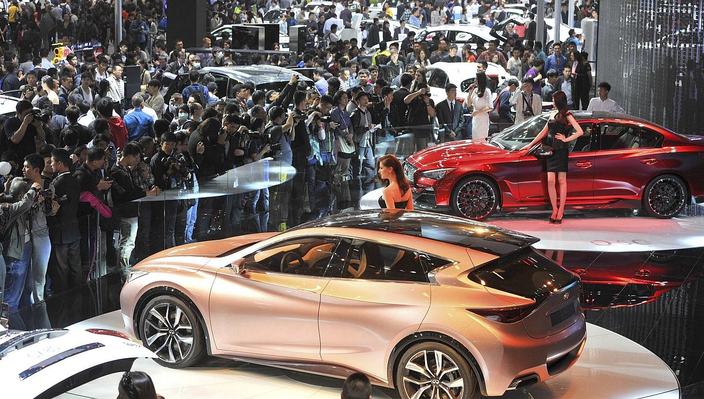 Luxury And Large Cars Claim China Auto Show Spotlight East Asia - Luxury car show