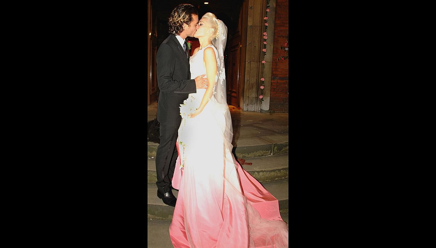 Angelina Jolies Wedding Dress Was Perfect Say Singapore Designers Jolie Clothing Rhey Tulle Skirt Lifestyle News Top Stories The Straits Times