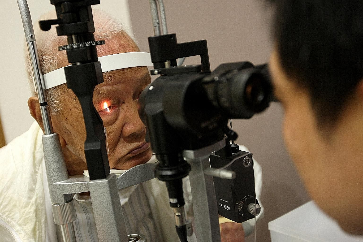 Seeing black dots after having cataract surgery, Health News & Top Stories  - The Straits Times