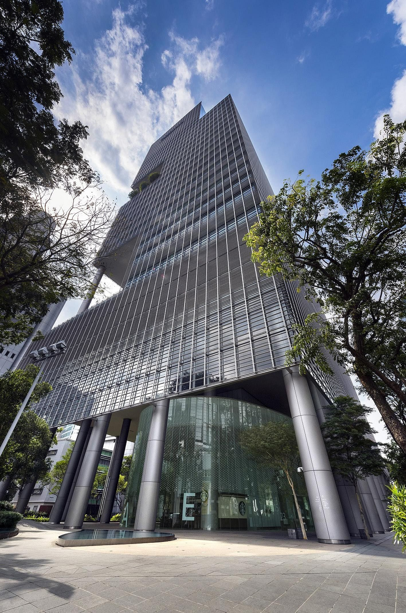 The One George Street building in the Raffles Place office district has 41,564 sq m of lease area.