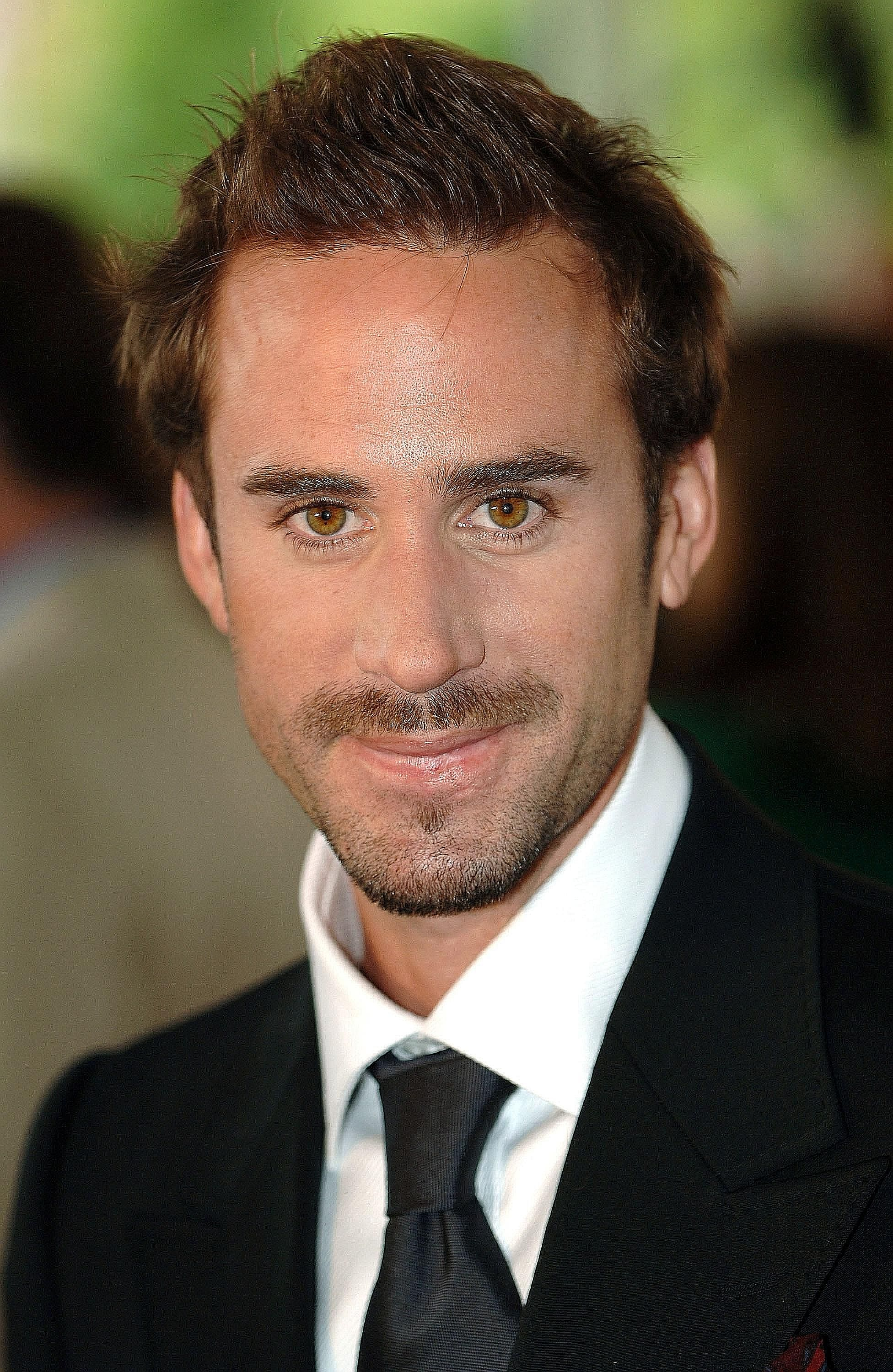 pictures British Actor Joseph Fiennes Has Been Cast as Michael Jackson in NewComedy