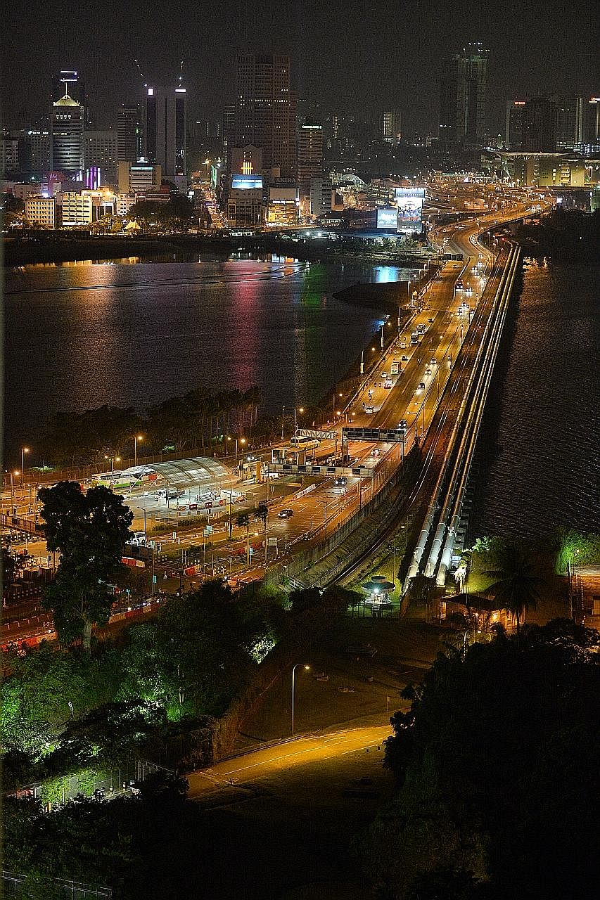 Traffic at the Causeway in the direction of Woodlands last night was lighter than anticipated. In a travel advisory issued by Singapore's Immigration and Checkpoints Authority last Monday, it had warned of heavier traffic flow at the Causeway and the