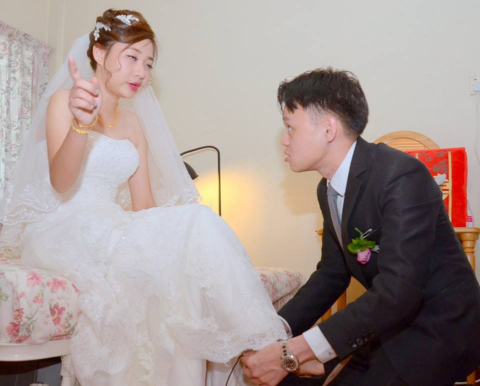 932b4550763 Newlyweds share wedding photos gone awry  post goes viral on Facebook
