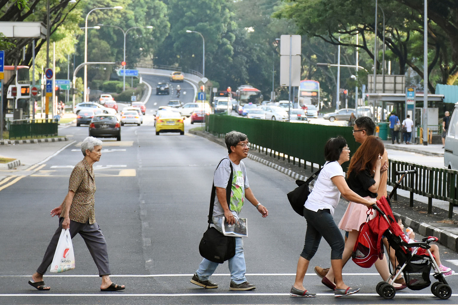 How Does a Senior Cross the Road Walking Speed and Senior Safety