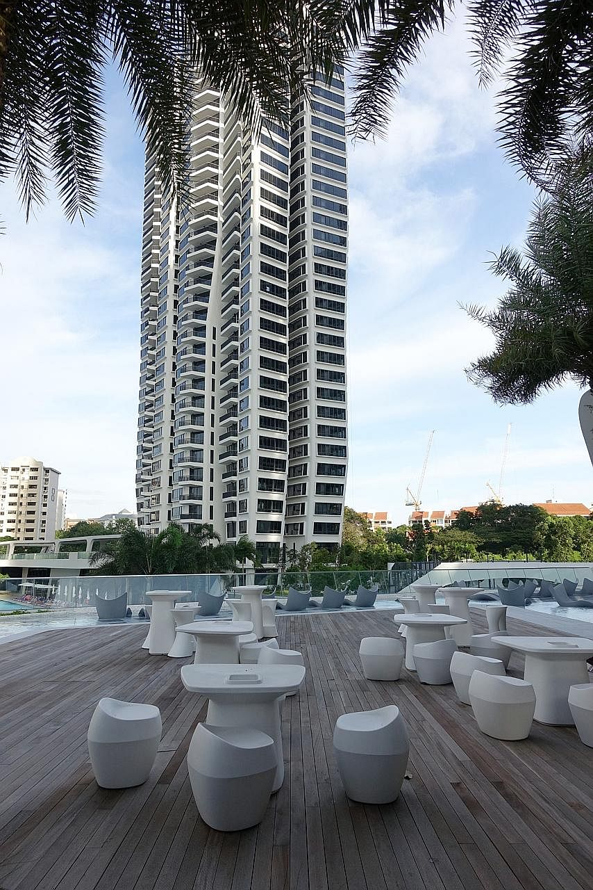 D'Leedon in Farrer Road. Units sold at an average of $1,481 psf in 2013, helping to push average new sale condo prices in the core central region to a five-year low. Buyers of properties in the CCR tend to be more affluent and less affected by measur