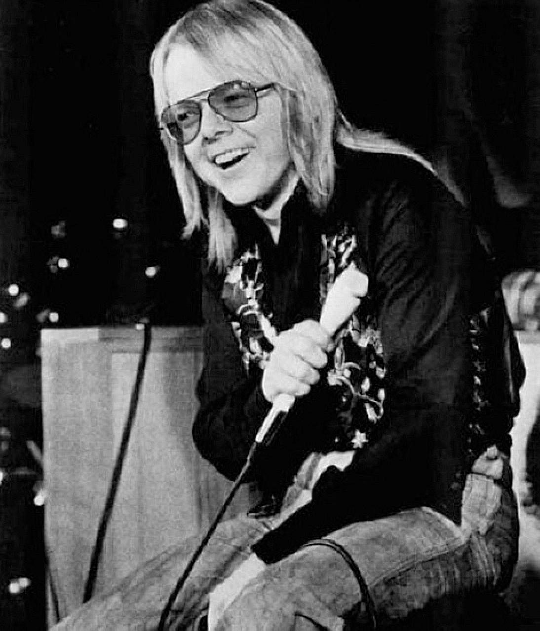 recovery for former drug and alcohol addicts, and the rights of music creators. Paul Williams says that in his heyday, he was as addicted to the attention he was