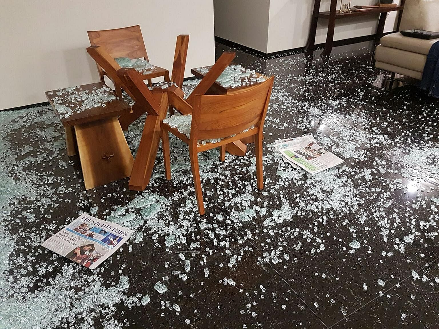 Home Owners Report Cases Of Shattering Glass Tops And Mouldy Wardrobes Singapore News Top Stories The Straits Times