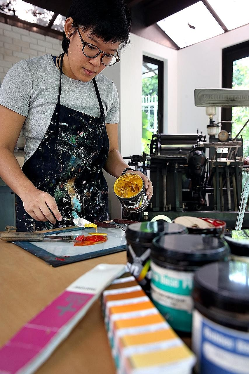 More people are rejecting digital products in favour of, for example, letterpress cards. Analogue has become a cultural marker, says the writer.