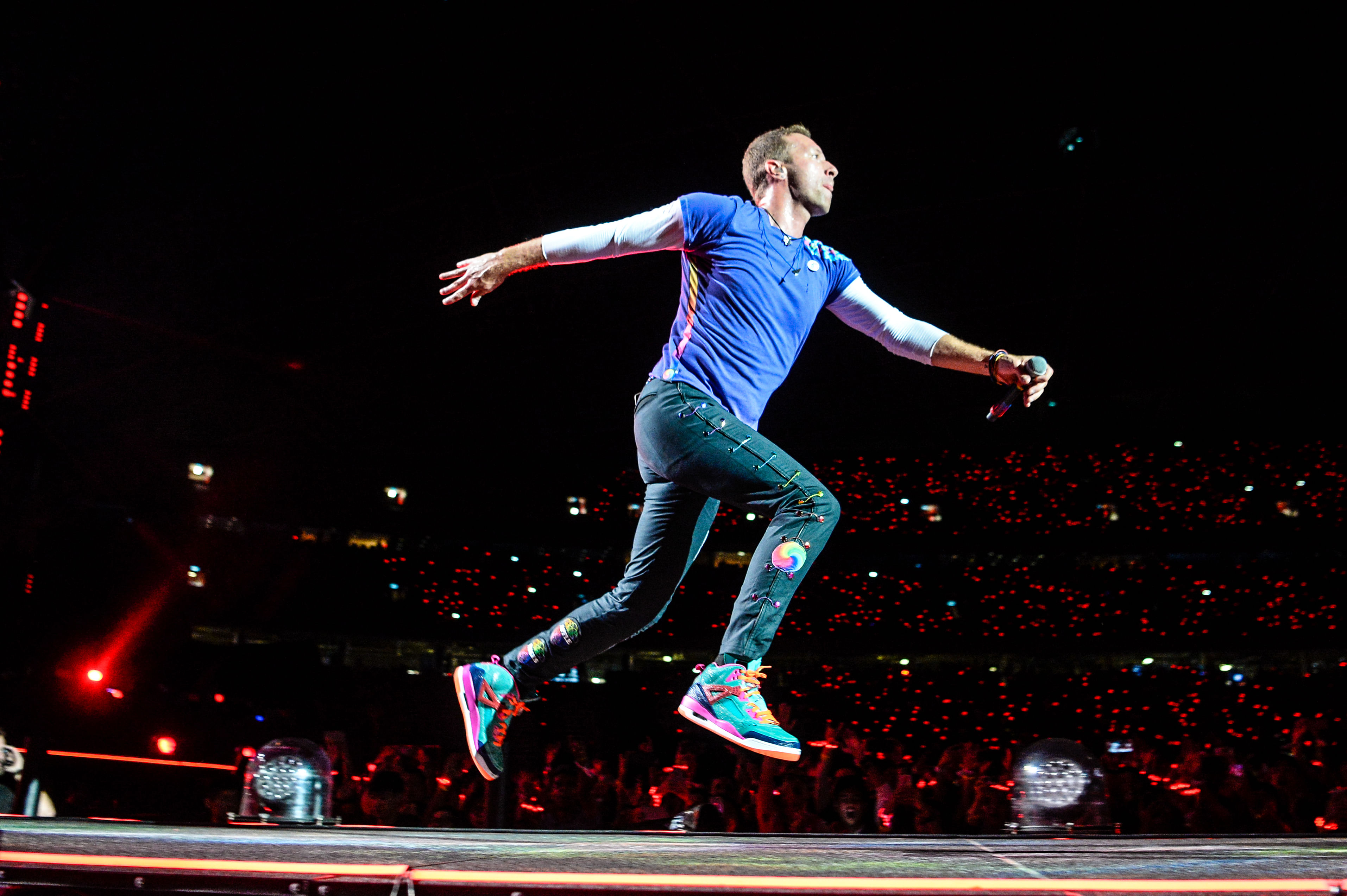 Chris Martin's response to Coldplay concert tickets selling like