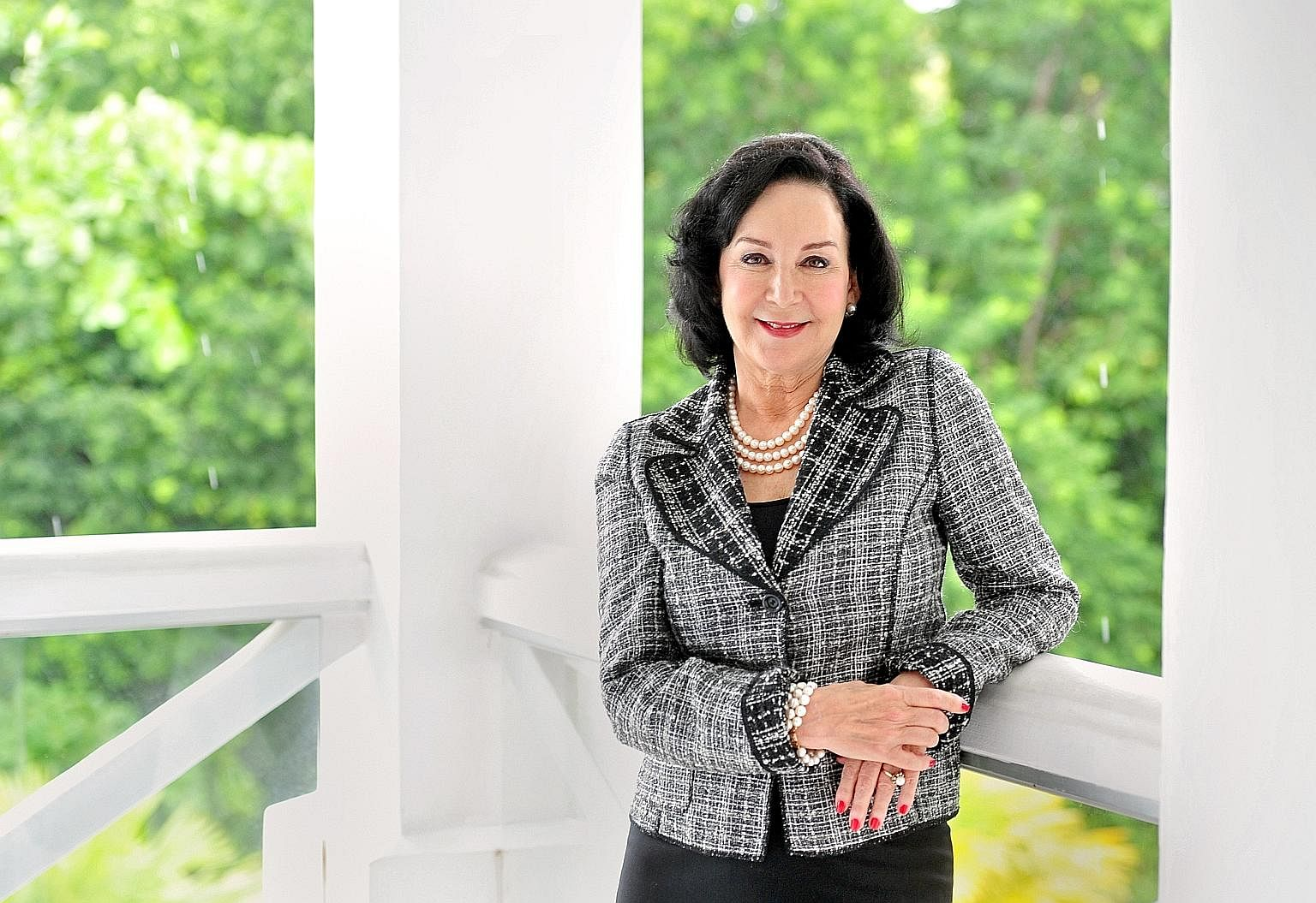 Ms Mary Buffett likes consumer goods because they are easy to understand. She looks for companies that have a reputable brand name and a consumer monopoly. She says there are many companies in Asia she would invest in but she is willing to wait for t