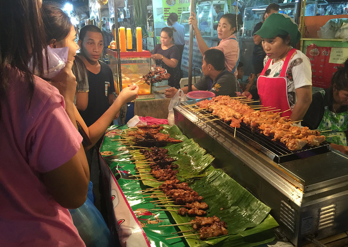 9 must eat thai street food before they vanish from bangkok streets food news top stories. Black Bedroom Furniture Sets. Home Design Ideas