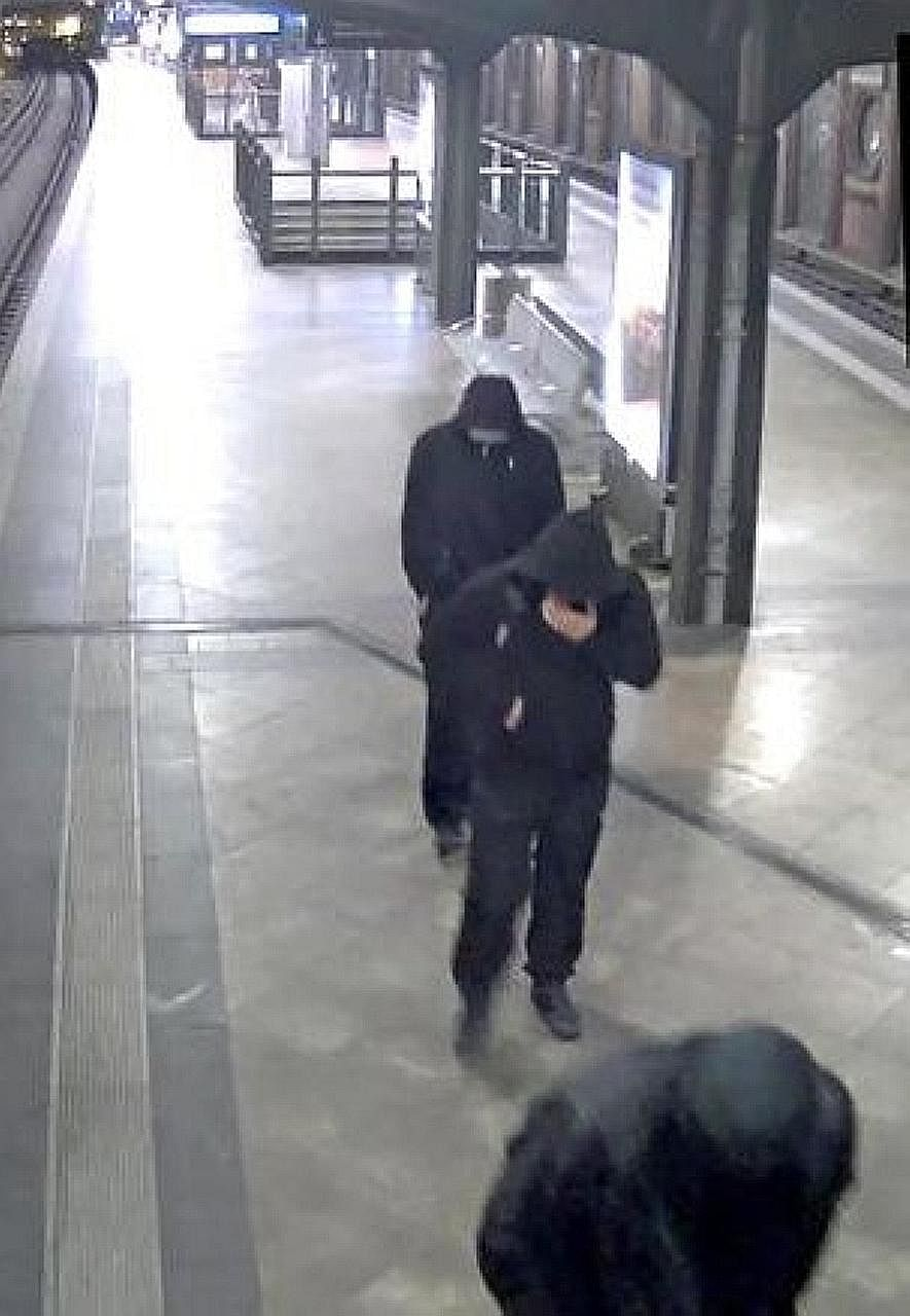 The 100kg gold coin was stolen from a Berlin museum on March 27. A screen grab from surveillance footage taken that day at the Hackescher Markt train station reportedly shows three of the suspects.