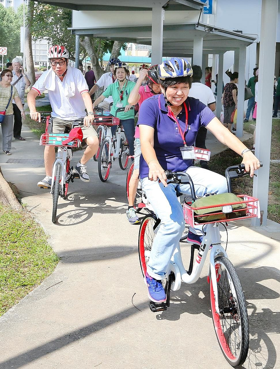 The lock of the SG Bike bicycles can be unlocked with the phones of registered users, a special card mailed to them, or even their ez-link card.
