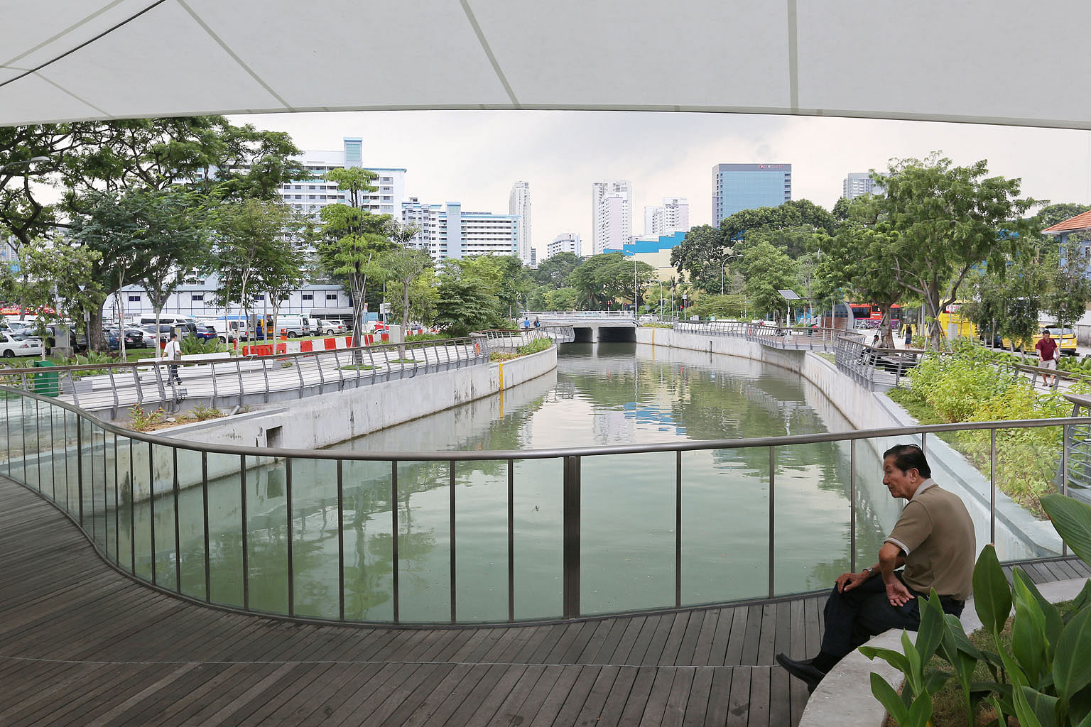HDB flats near Rochor Canal, which is within walking distance of Rochor station on Downtown Line 2 (DTL 2). A study shows how, as the MRT line opened, the average housing resale prices surged by 2.8 per cent for homes located within 1.5km of a DTL2 s