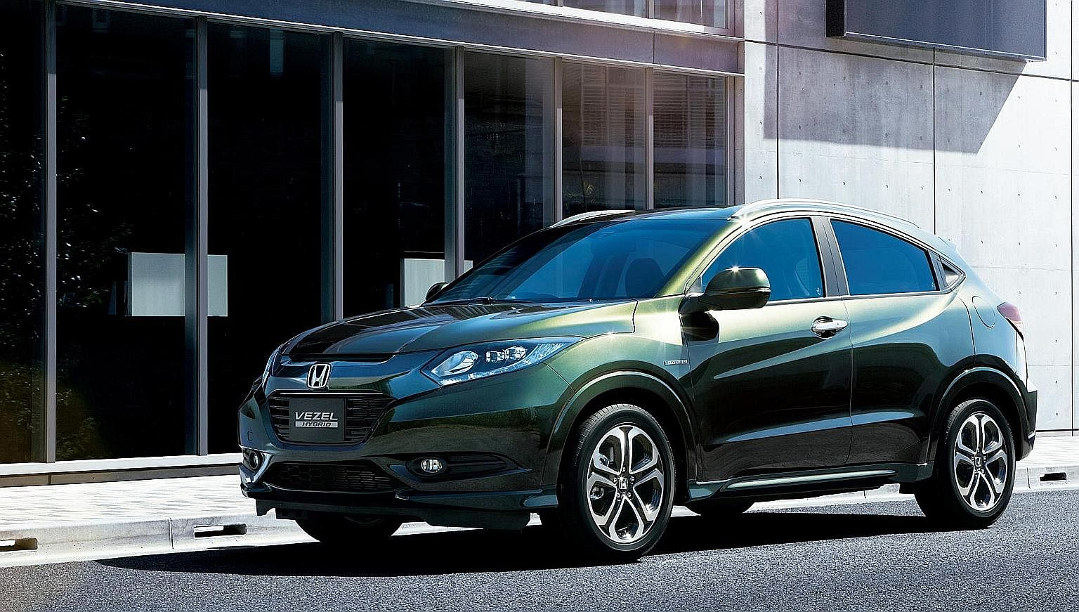 Honda Vezels are sold by parallel importers and authorised agents are not obliged to attend to recalls affecting parallel imported cars.
