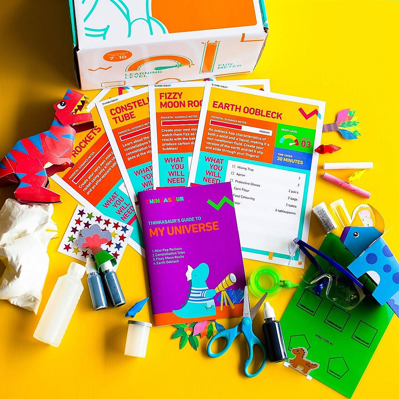 The materials in EllieFun boxes incorporate Montessori-based ideas and principles. Thinkasaur boxes contain content that aims to make science fun for children. The boxes from My Messy Box contain materials that allow the child to engage in sensory pl