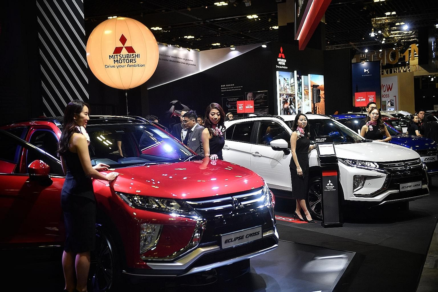 Singapore Motorshow Motor Companies Unveil Record Number Of New - Exhibition car