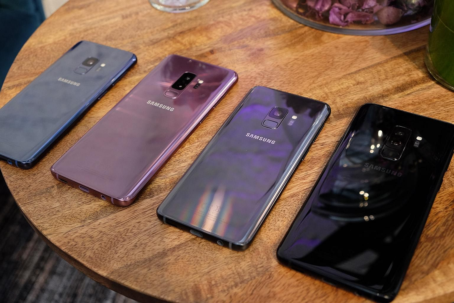 1d22163db8a978 Samsung launches S9 and S9+ smartphones, focuses on camera improvements,  Smartphones News   Top Stories - The Straits Times