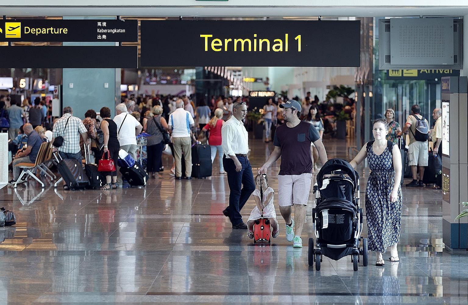The increase in airport charges to help fund the development of the Changi East airport expansion project has been criticised by some airlines and industry groups.