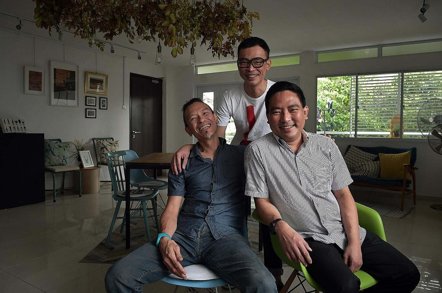 Musicians Leslie and Lionel Tan of the T'ang Quartet with their younger brother, lawyer Leroy Tan. In January last year, Leslie donated his left kidney to Leroy, who was diagnosed with end-stage kidney failure in 2013. Both older brothers