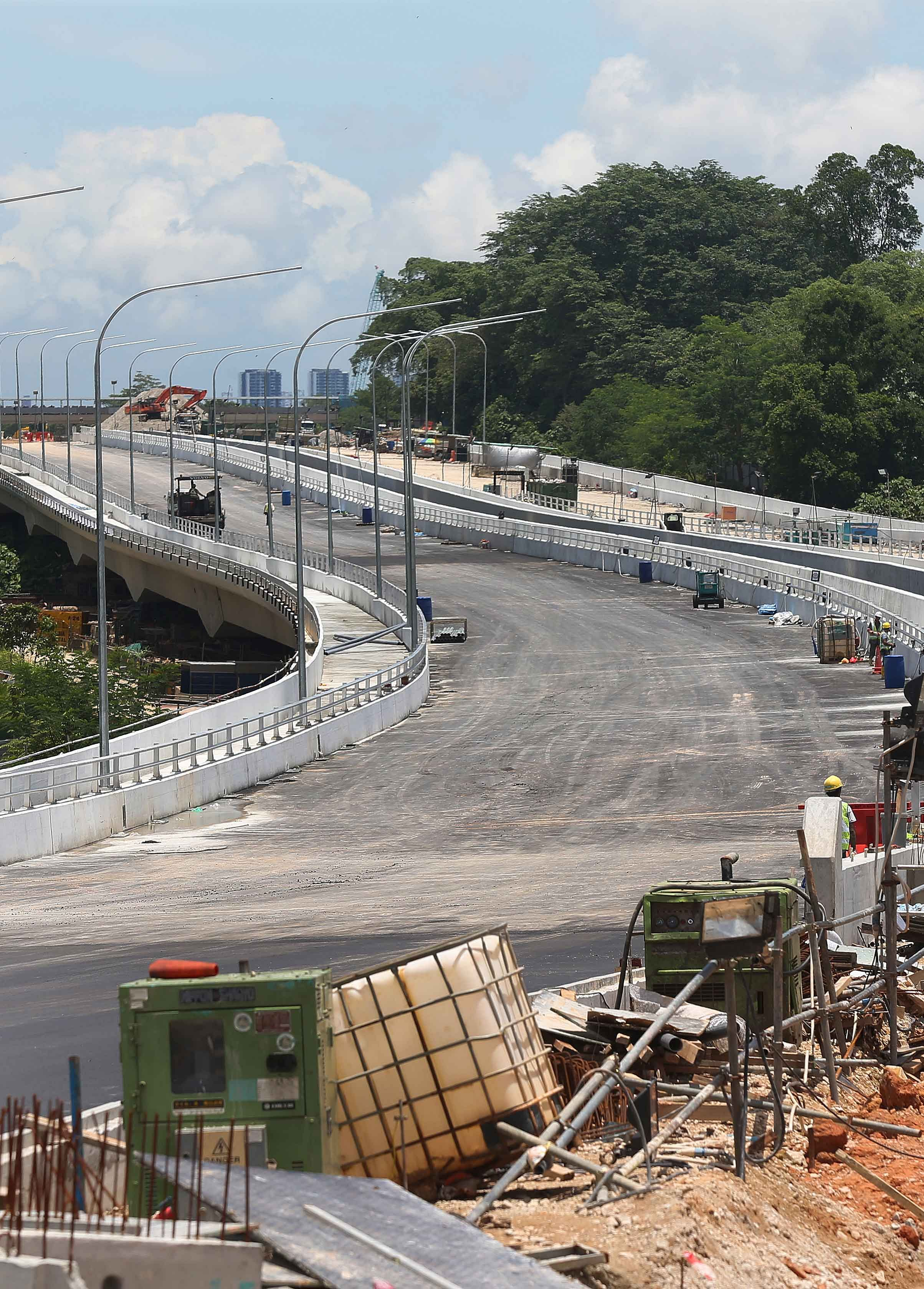 Opening of first stretch of Lornie Highway pushed to 4th ...