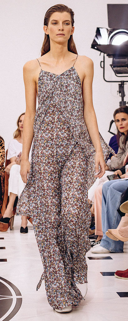 Victoria Beckham commemorated the 10th anniversary of her namesake brand by unveiling her spring-summer 2019 collection (above) at London Fashion Week.