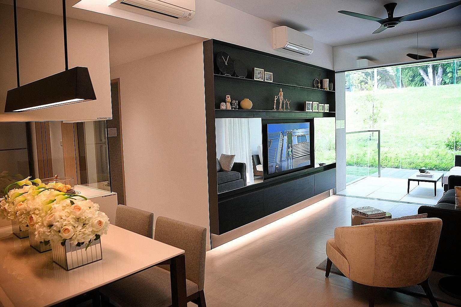 Woodleigh Residences (above) in Bidadari estate is a mixed-use commercial and residential development comprising 667 two-, three-and four-bedroom units, with prices starting at $1,873 per sq ft. There will be a soft launch today, where members of the