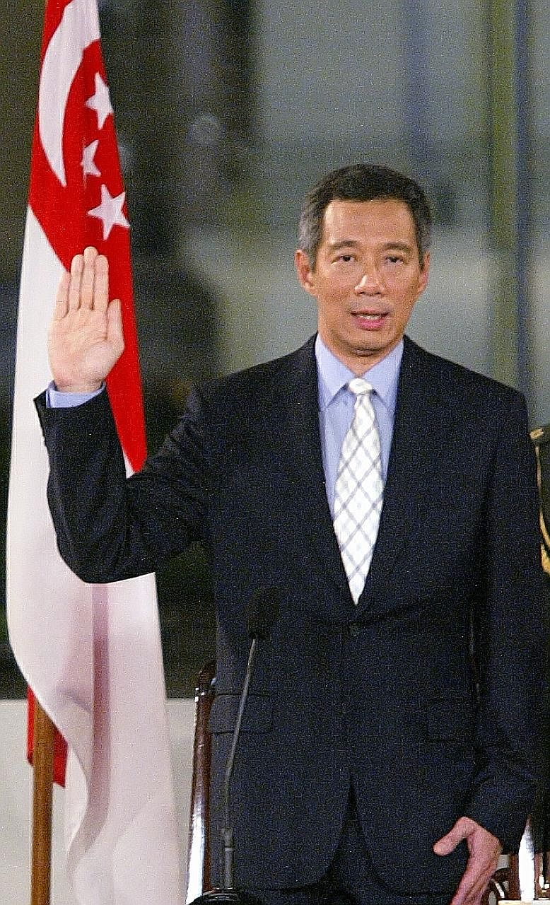 Prime Minister Lee Hsien Loong at his swearing-in ceremony in 2004.