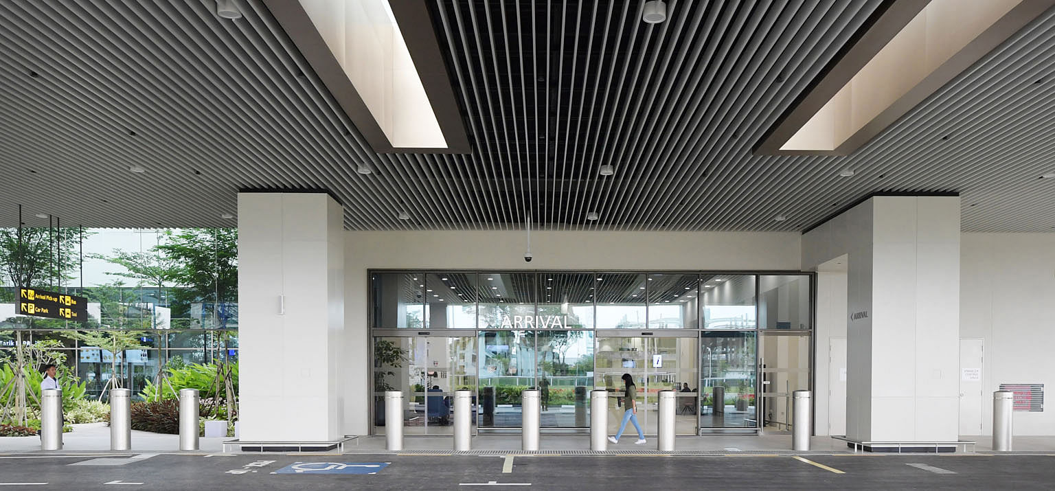 Seletar Airport's new terminal spans 10,000 sq m and is designed to handle up to 700,000 passengers each year.