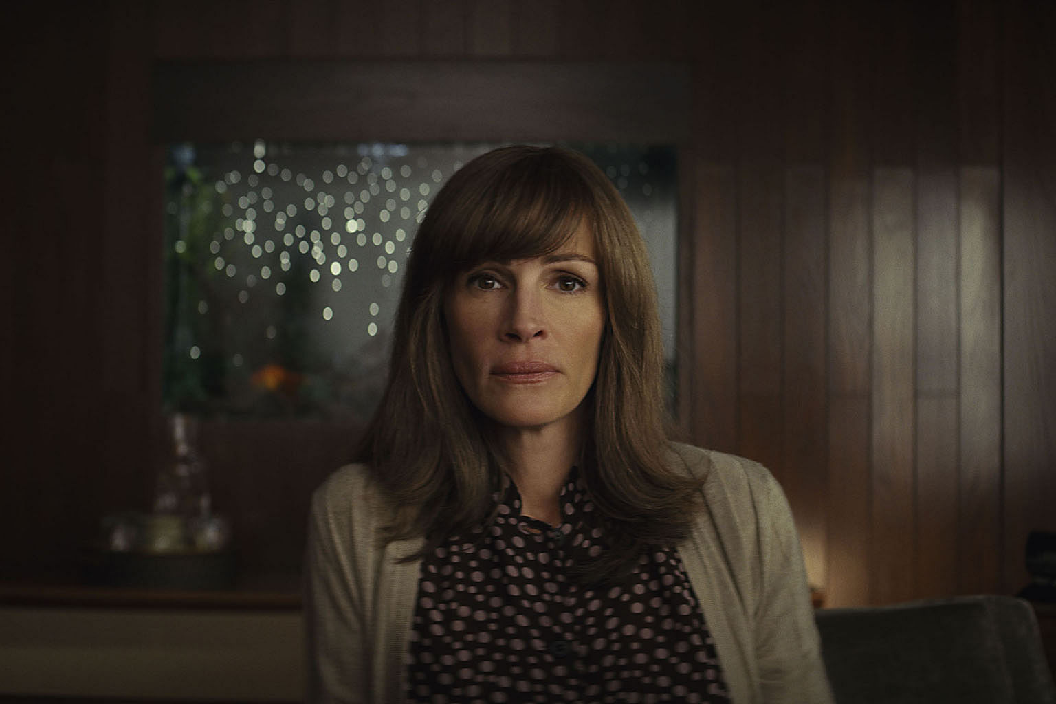 Julia Roberts shines in conspiracy thriller, Entertainment News