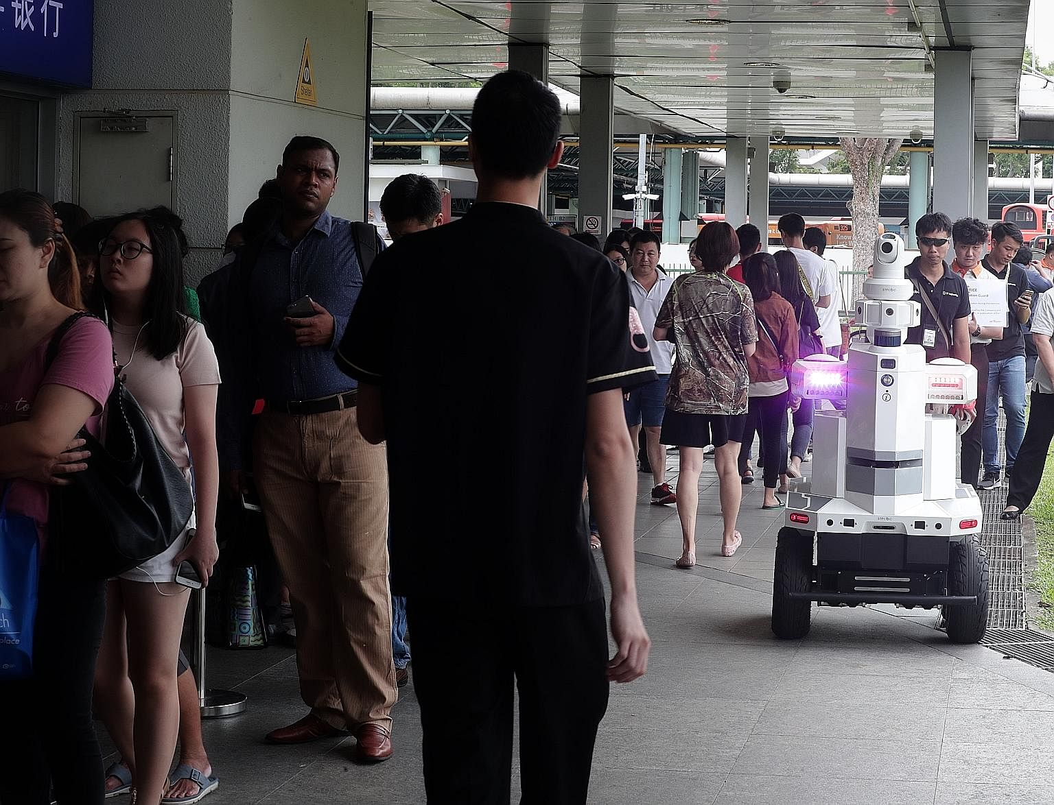 An autonomous robot kept an eye on Hougang MRT station yesterday as part of Exercise Station Guard, an emergency preparedness exercise by the Land Transport Authority (LTA). The 1.6m-tall robot, developed by ST Engineering, was being tested for its n