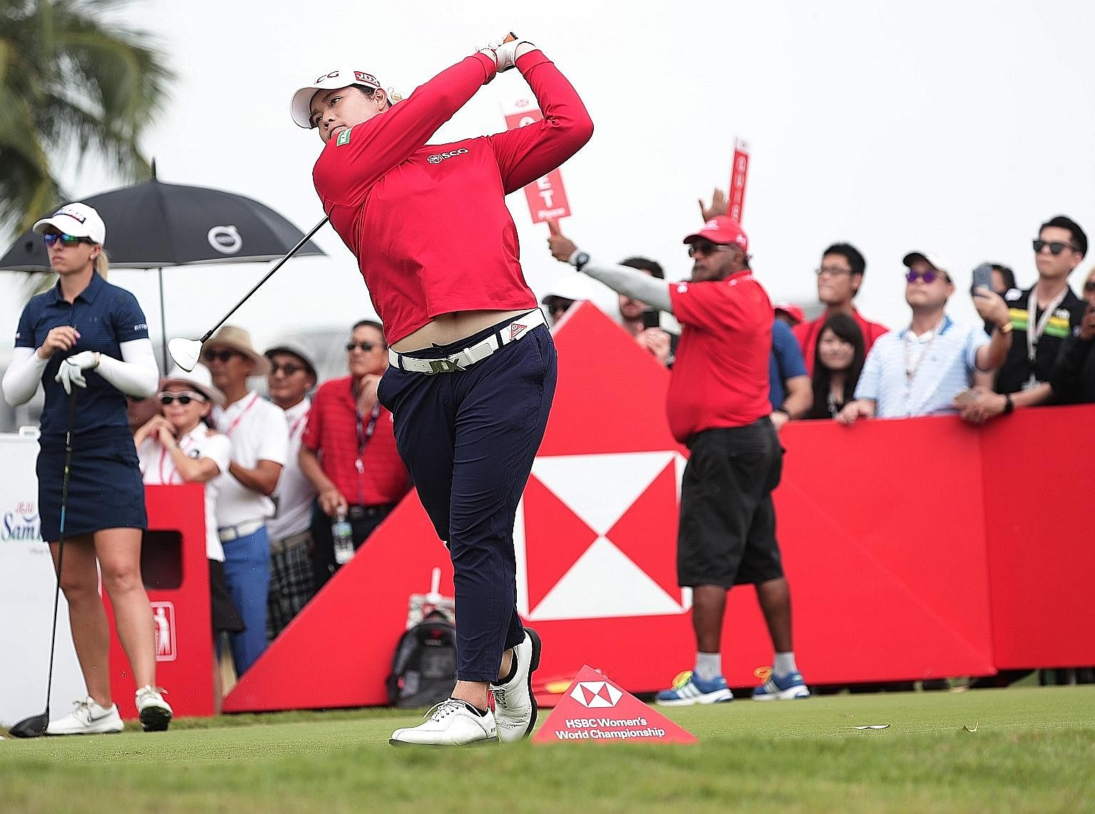 Thailand's Ariya Jutanugarn carded a six-under 66 yesterday to take a one-shot lead at the Sentosa Golf Club's New Tanjong Course. The world No. 1 had won nine of her 11 pro titles as the third-round leader.