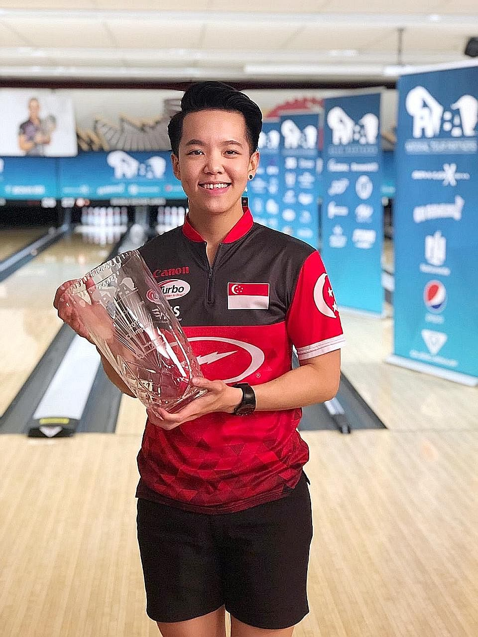 Shayna Ng stunned top-seeded American Missy Parkin 259-237 in the PWBA Sonoma County Open final on Saturday.