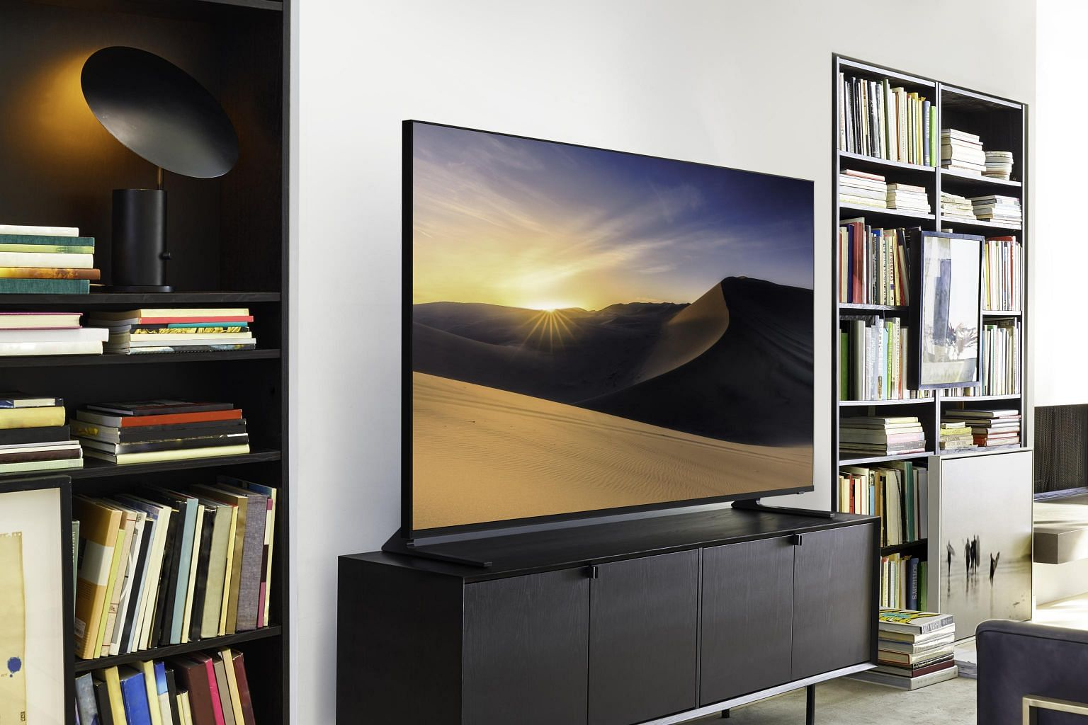 Tech Review Samsung Qled Q900r A Pricey But Excellent 8k Tv