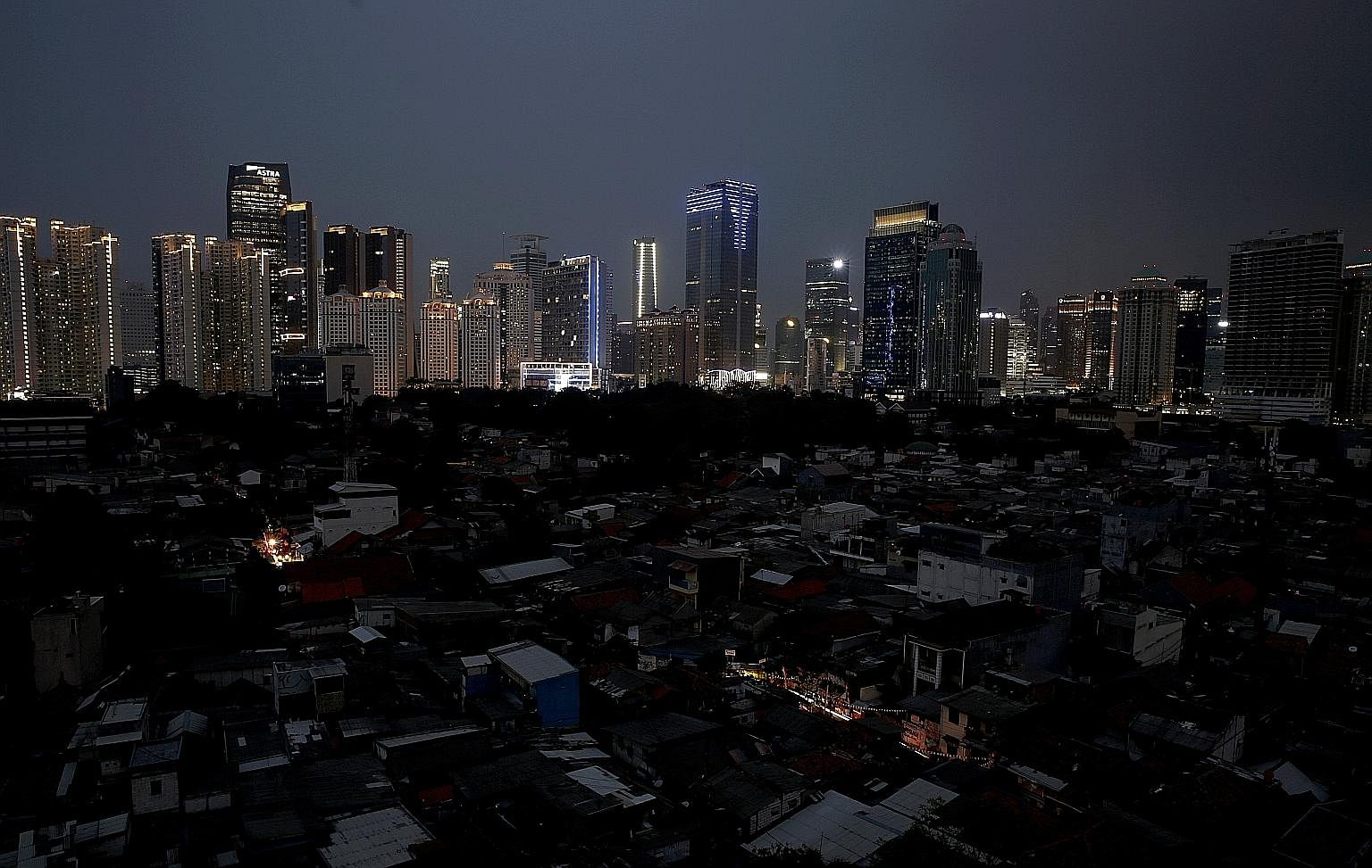 A major power outage hit Jakarta and other areas in Indonesia yesterday. The Indonesian capital, as well as parts of West Java and Central Java, experienced a major blackout affecting tens of millions of people. The mass rapid transit system was also