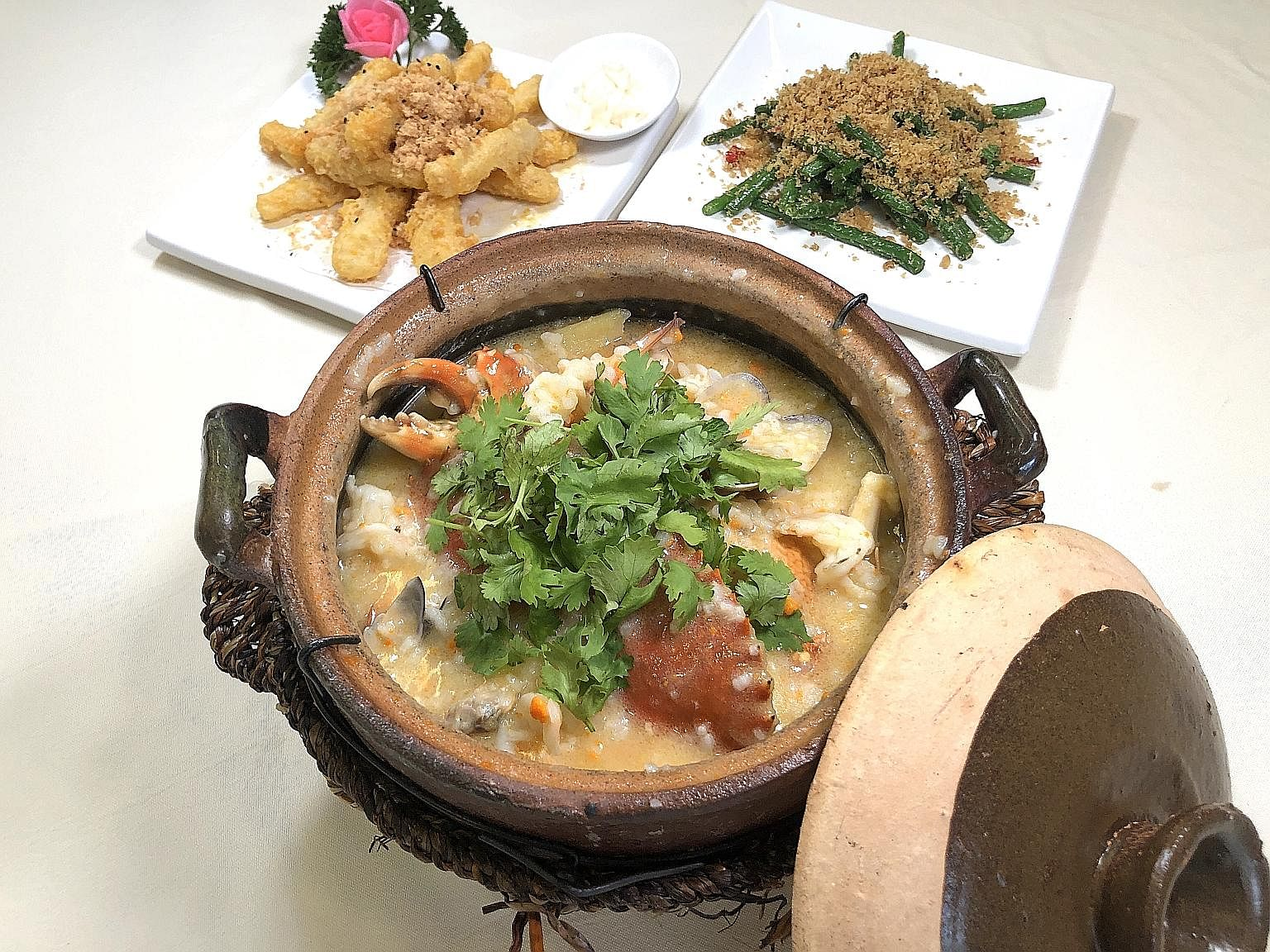 Golden Huai Shan, French Beans with Shrimp and Seafood Claypot Porridge.