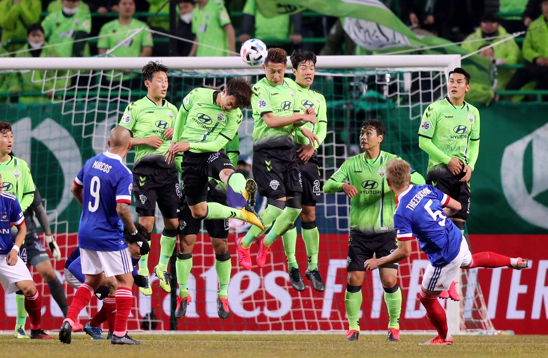 Evolution of Footballer Dk Green Messenger Flight Bag 5 a side sunday league NEW