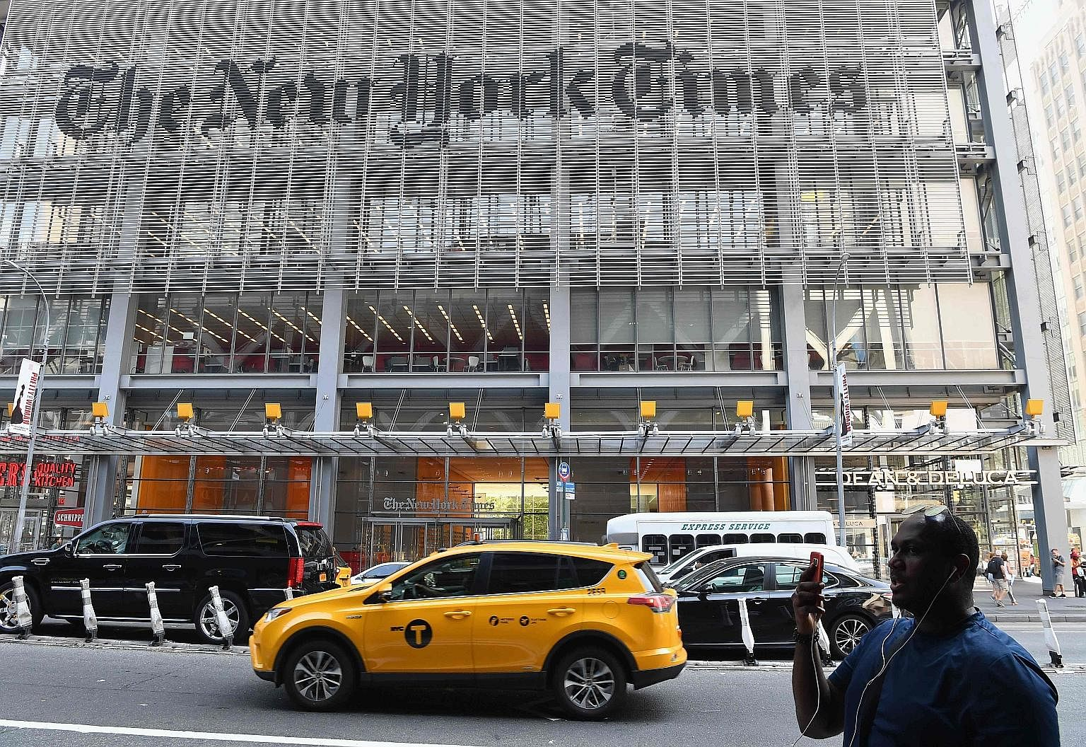 In the first quarter of this year, The New York Times added 587,000 digital subscriptions - more than all of the 100 newspapers owned by Gannett, the largest US print publisher. The pandemic, the writers say, has exposed the growing divide between a