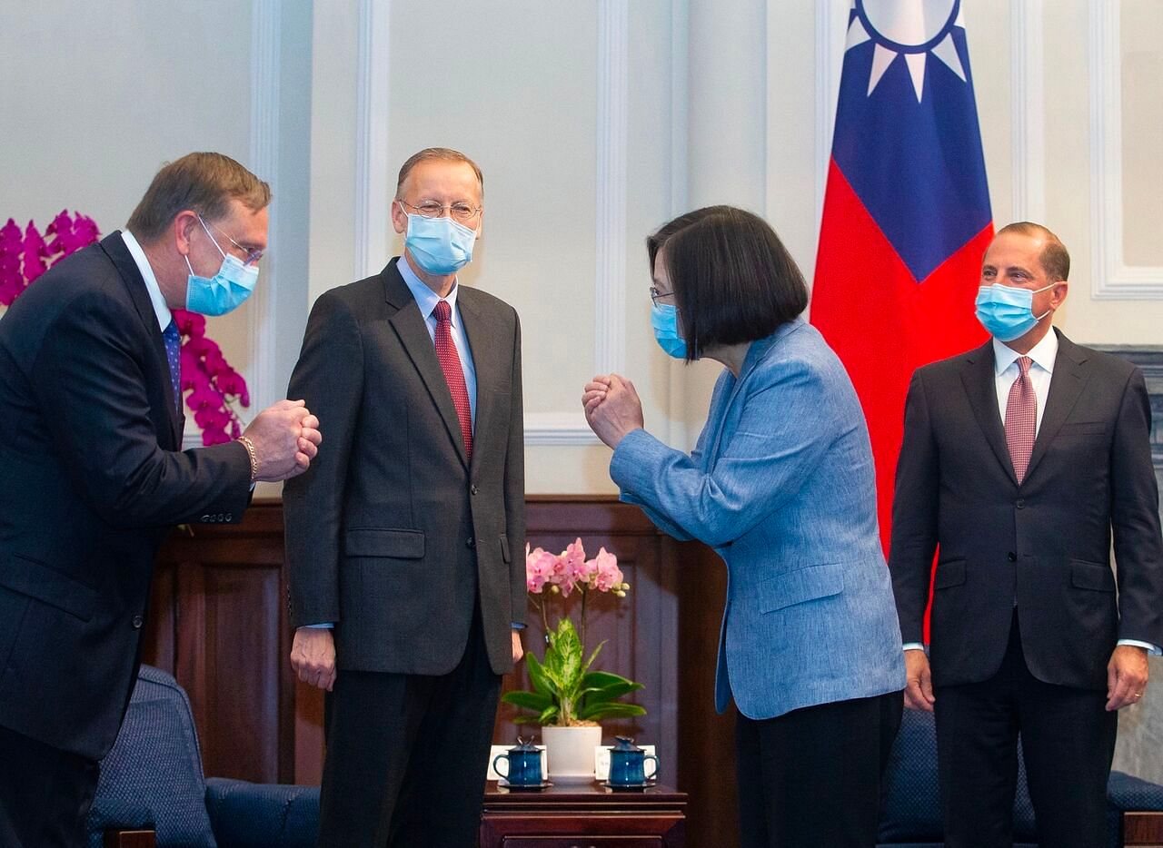 Us Health Chief Alex Azar Offers Taiwan Strong Support In Landmark Visit East Asia News Top Stories The Straits Times
