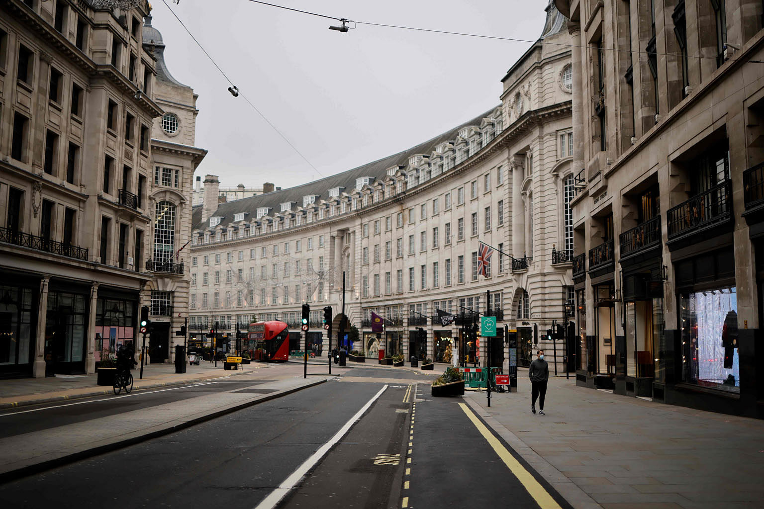 Regent Street, a major shopping area in London, almost deserted on Friday amid a national lockdown in Britain that began last Tuesday. Schools were also closed for face-to-face learning, except to the children of key workers and vulnerable students,