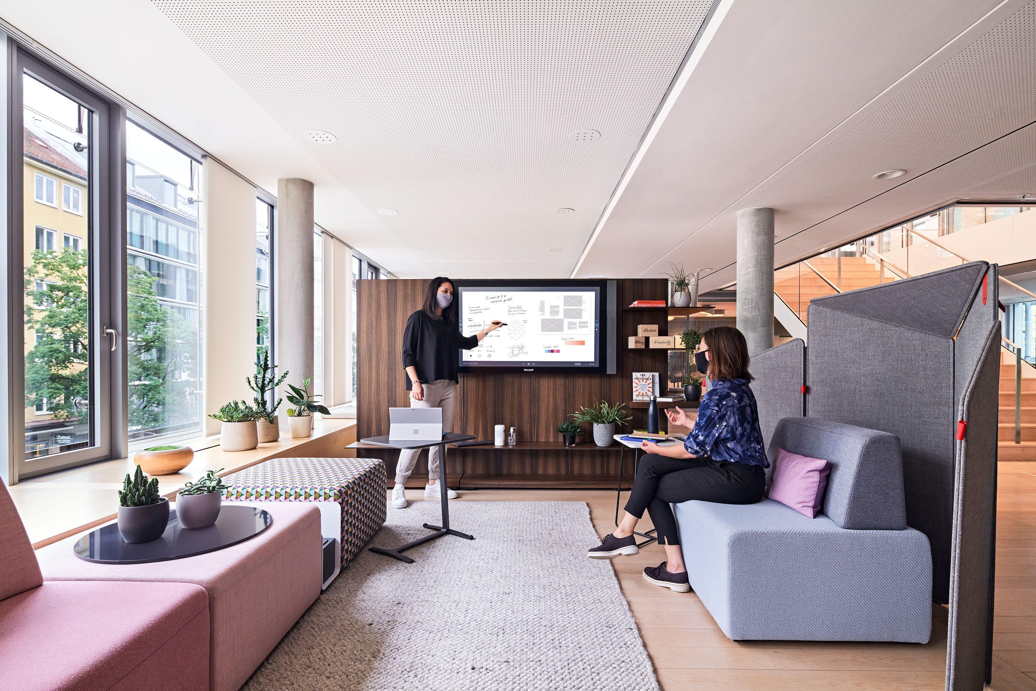 peti baja, ruang kolaborasi, ruang kantor