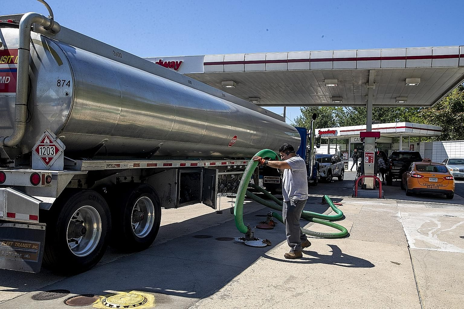 A tanker delivering fuel to a Speedway petrol station in Alexandria, Virginia, last Thursday. A ransomware attack had shut down a major fuel pipeline in America and sent people scrambling for petrol in the south-east last week. A Colonial Pipeline fa