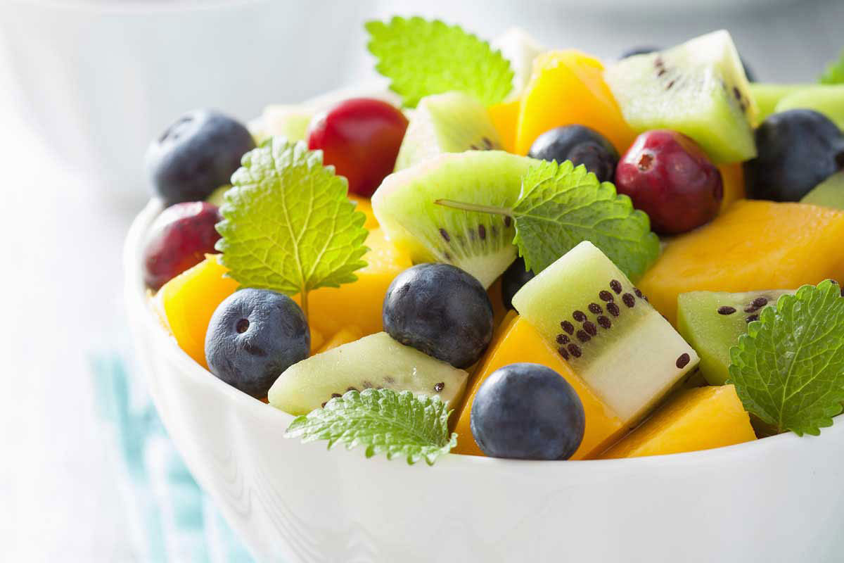 3 fruits for the night will restore the spine and add strength