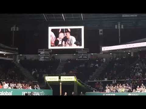 Tennis: Crowd cheers as Singaporean proposes to his Czech girlfriend during WTA Finals semis