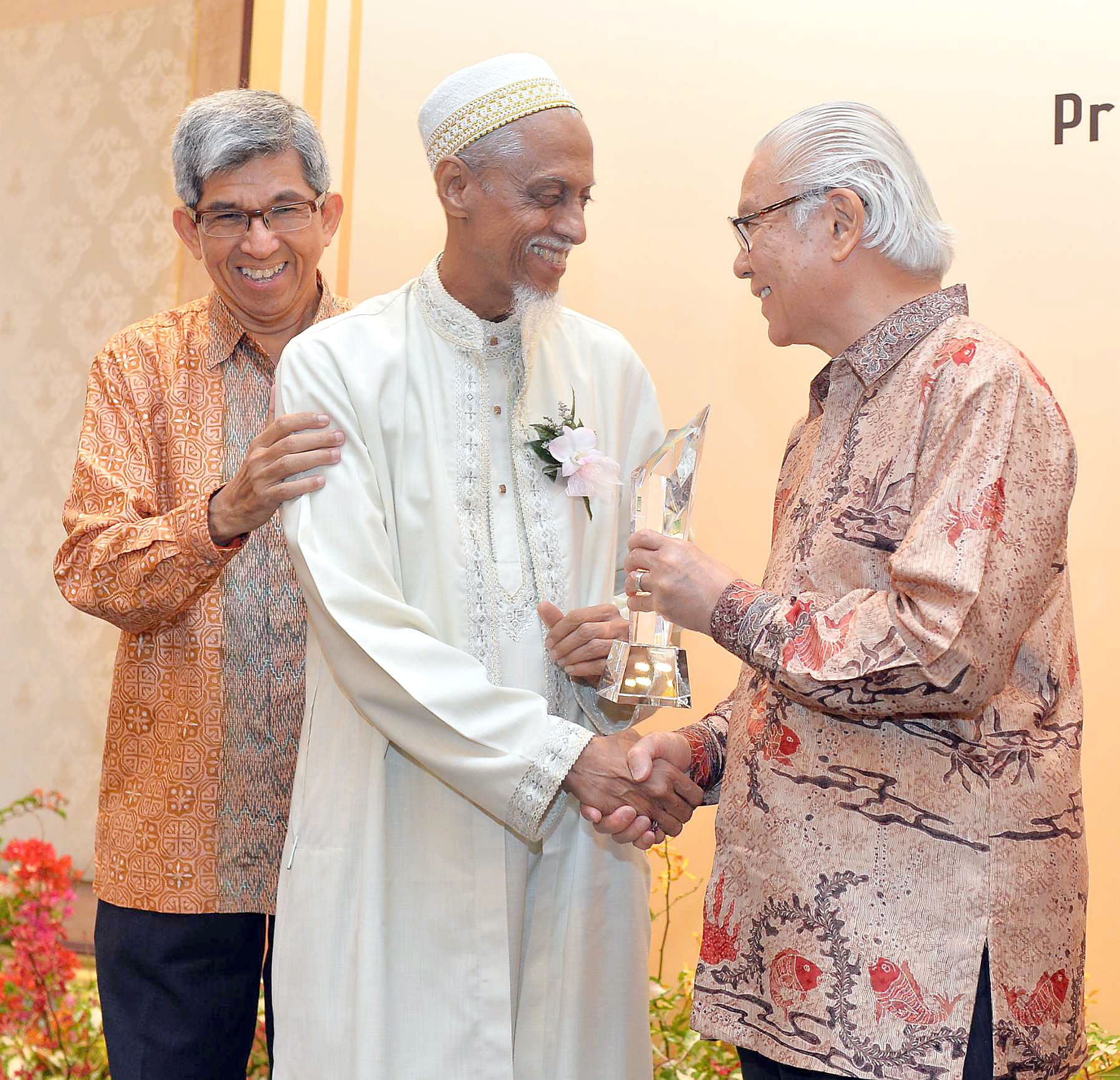 Dawoodi Bohra members who contributed to Singapore society