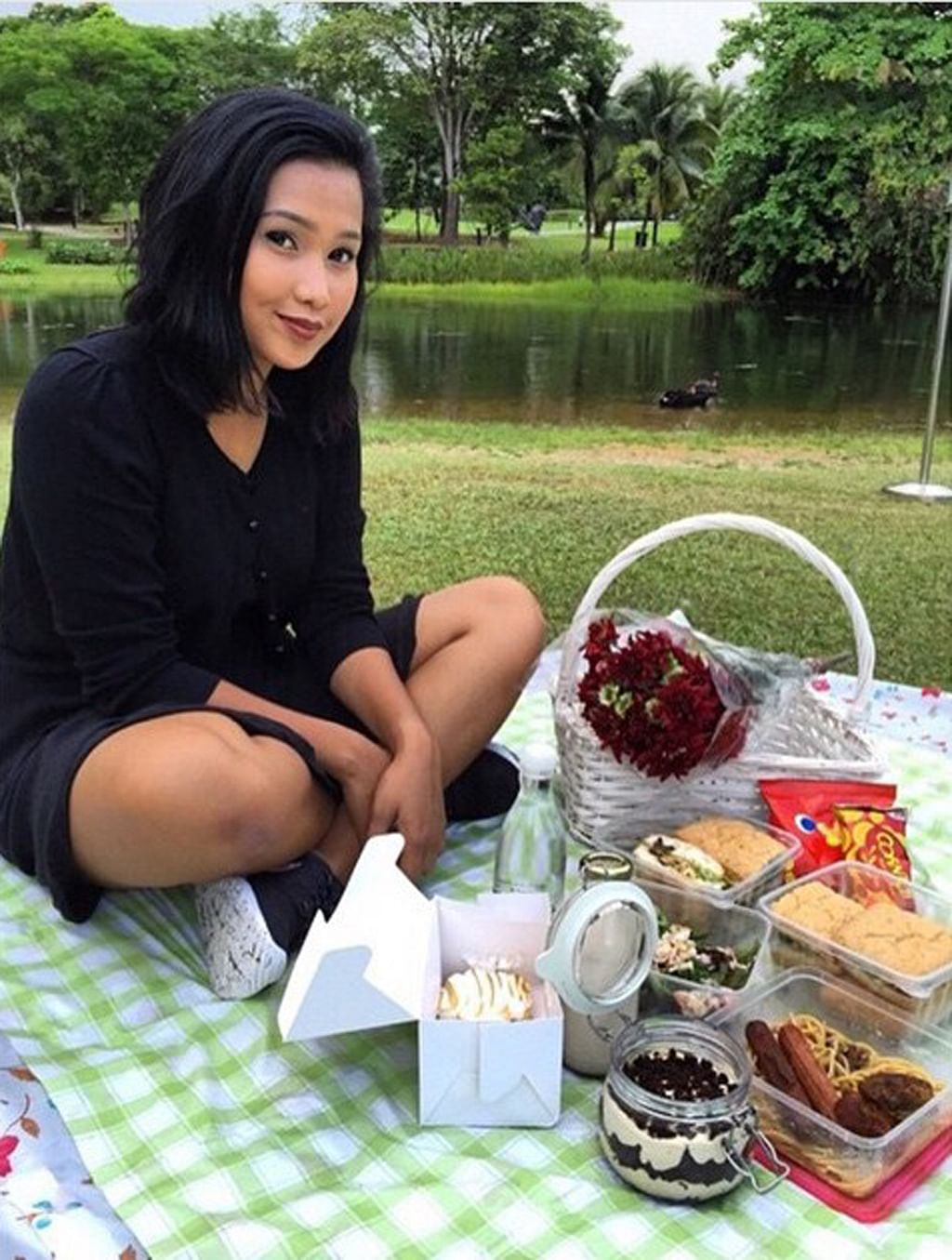Picnics get poshed up, Lifestyle News & Top Stories - The Straits Times