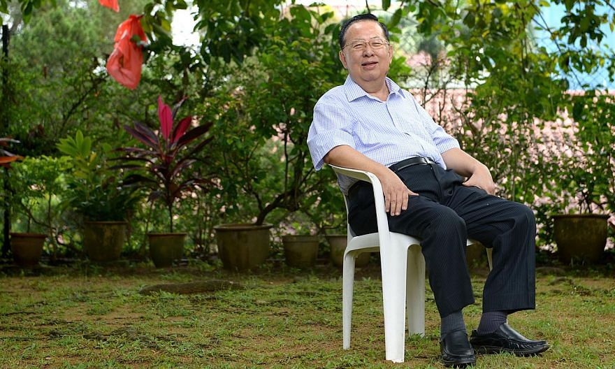 Prime Minister Lee Hsien Loong has welcomed former top civil servant Ngiam Tong Dow's clarification of several negative comments he made recently about the current crop of ministers. -- ST FILE PHOTO: NG SOR LUAN
