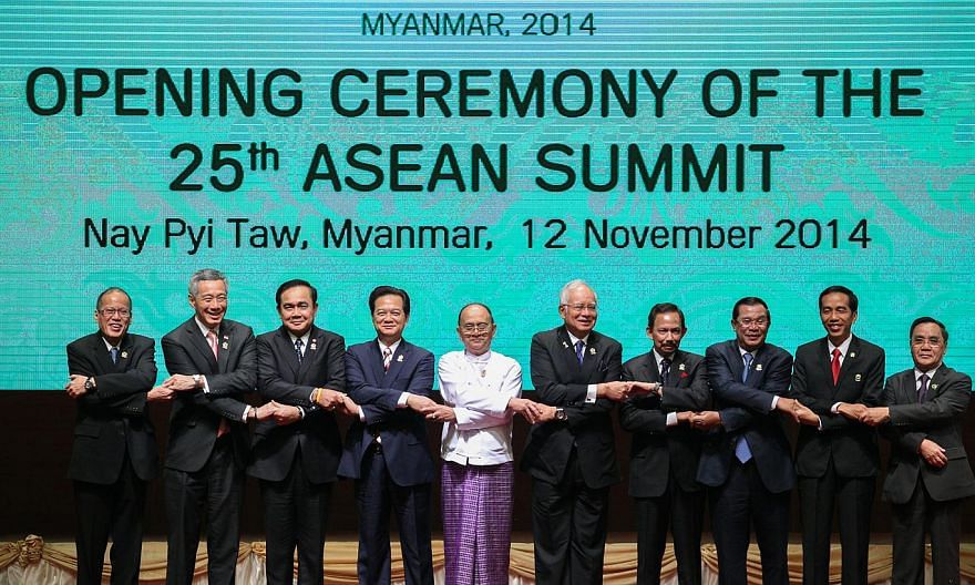 Asean leaders at the 25th Asean Summit in Naypyitaw, Myanmar, on Nov 12, 2014. (From left) Philippine President Benigno Aquino, Singapore Prime Minister Lee Hsien Loong, Thai Prime Minister Prayuth Chan-ocha, Vietnamese Prime Minister Nguyen Tan Dung