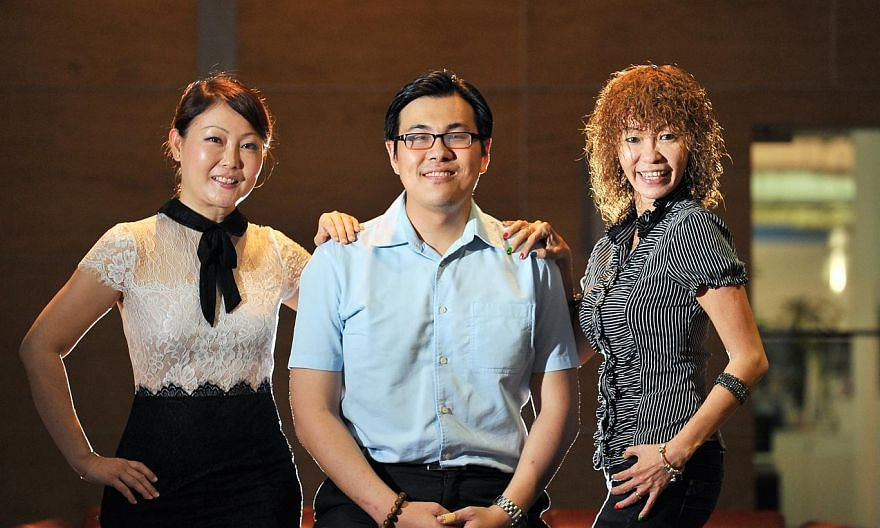 Ms Eileen Seah and husband Lee Xian Yi became friends with husband-and-wife design team Eric Tan and Dolly Teo after meeting online, while Singapore Hokkien Language Meetup Group members (above, from left) Grace Goh, Michael Jow and Jene Tan meet for